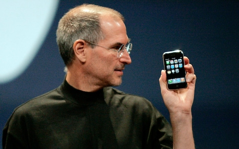 první iphone a steve jobs
